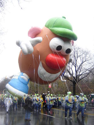 450px-Healthy_Mr._Potato_Head_2006_Parade.jpg