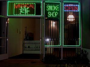 800px-Medical-marijuana-shop.jpg
