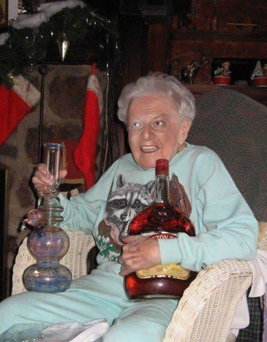 bong,booze,grandma,granny,marijuana,old,lady-7b2715f82442058f1452ffe721535b02_h.jpg