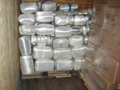 700_Marihuana-as-office-supply2.jpeg