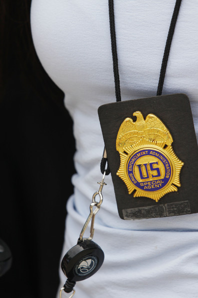 DEA+Agents+Raid+Michael+Jackson+Doctor+Office+6yUo9APC_fel.jpg