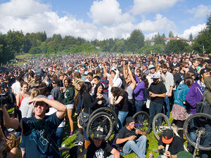 pipes-bikes-bongs-ucsc-420.jpeg