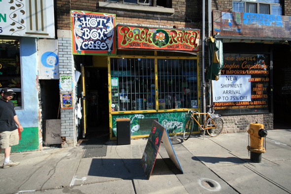City Government Eyes Torontos Cannabis Vapor Lounges