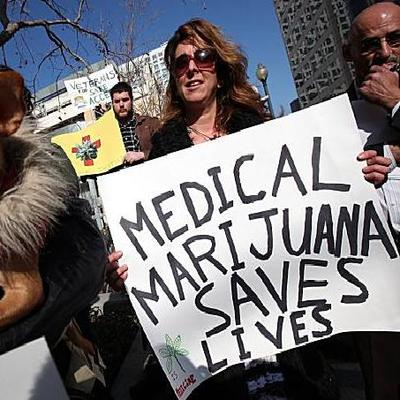 Medical-Marijuana-Protester10.jpeg