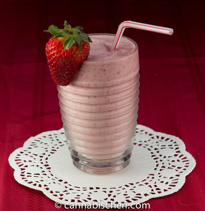 strawberry-smoothie-6SIZED.jpg