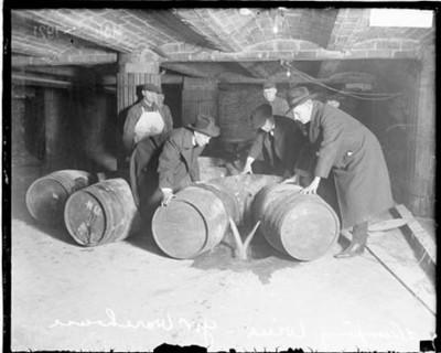 prohibition-agents-destroying-liquor.jpeg
