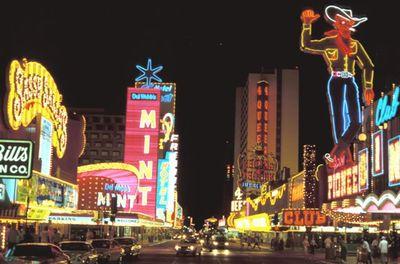 Geert_Kuipers_1980_Downtown_Las_Vegas.jpeg