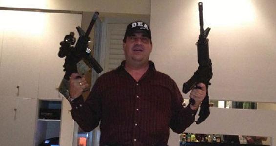 hector.diaz.guns.jpg