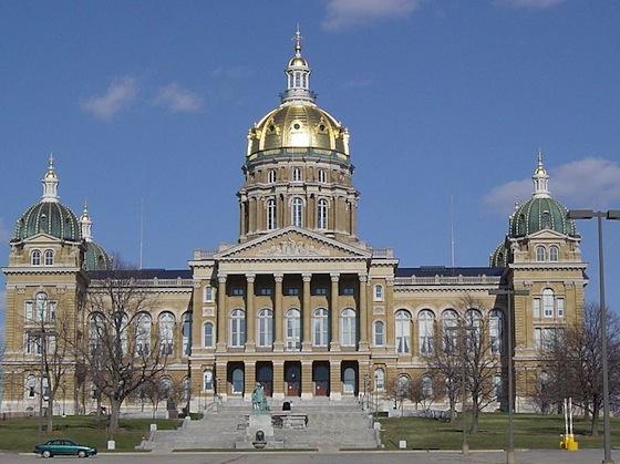 Iowa_capitol-cburnett.jpg