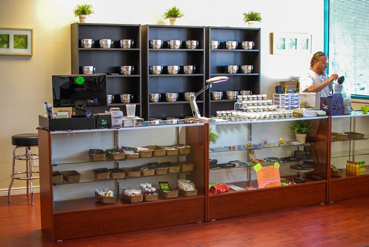 arizona_grassroots_dispensary_counter