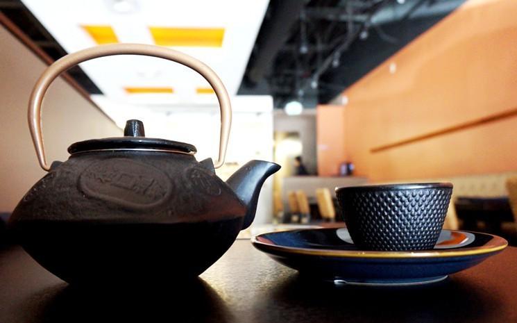 teapot-antonaiyton-2016