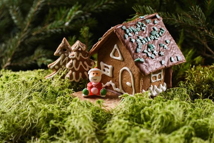 marijuana-gingerbread-house-santa-istock-2018